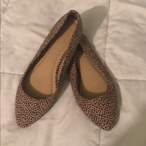 Old navy size 8 leopard flats